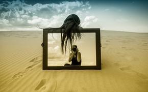 Картинка песок, девушка, отражение, зеркало, фотограф