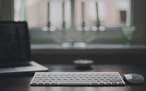 Картинка стол, мышь, клавиатура, ноутбук