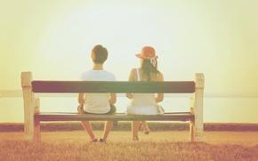 Картинка лето, девушка, скамейка, шляпа, парень, двое, чувство