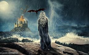Картинка гроза, девушка, полет, ночь, замок, дождь, огонь, луна, дракон, спина, крылья, сериал, крепость, Daenerys Targaryen, …