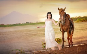 Картинка улыбка, конь, лошадь, прогулка, азиатка