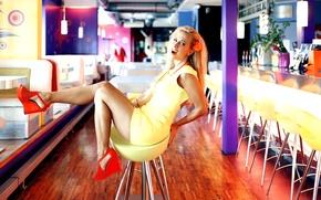 Картинка girl, sexy, dress, legs, woman, model, beauty, skirt, heels