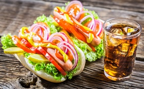 Обои vegetables, перец, сосиски, лед, овощи, бутерброды, sausages, tomato, огурцы, pepper, sandwiches, горчица, кола, лук