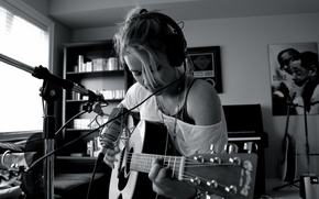 Картинка music, girl, guitar, photo, headphones, microphone, singer, black and white, Emily Osment