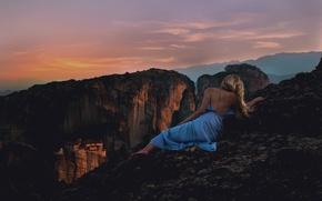Картинка девушка, закат, поза, спина, платье