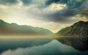 Обои вода, облака, горы, озеро, обработка
