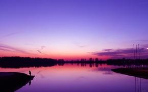 Картинка фиолетовый, вода, закат, берег, рыбак, вечер, Озеро