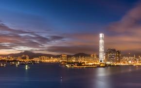 Картинка небо, облака, закат, огни, China, Гонконг, небоскребы, вечер, подсветка, залив, Китай, мегаполис, Hong Kong, Гавань …