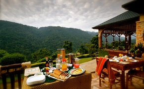 Картинка горы, ресторан, терраса, обед, столики