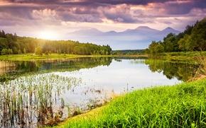 Картинка горы, природа, деревья, озеро, вода, зелень, облака, небо, трава, пейзаж, закат