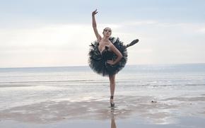Обои море, девушка, танец, балерина