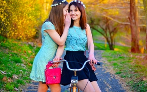 Обои Smile, Bulgaria, Model, Ikoseomer, Portre, Cekim, Spring, Girl, Fashion, Twins, Bike, Sisters