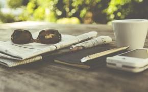 Картинка ручка, очки, photo, чашка, кофе, photographer, markus spiske, газета, смартфон, блокнот