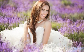 Картинка поле, взгляд, девушка, улыбка, girl, невеста, field, bride, a smile, цветы лаванды, lavender flowers, a …