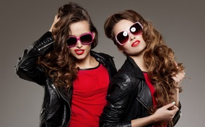 Картинка стиль, девушки, волосы, помада, очки, лица, модели, красотки, кудри, фотосессия, куртки