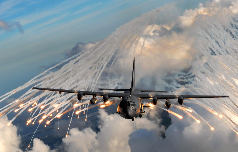 Фото обои небо, облака, полет, самолет, огонь, дым