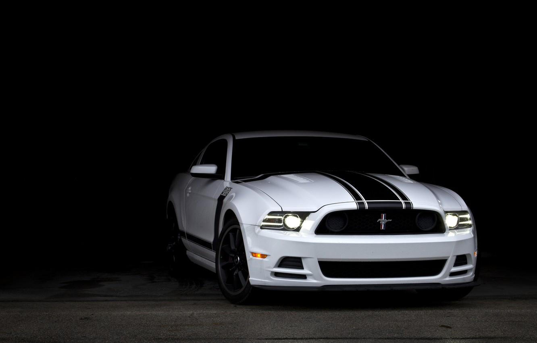 Фото обои белый, Mustang, Ford, тень, мустанг, Boss 302, white, мускул кар, форд, muscle car, спортивные полосы