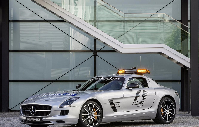 Фото обои машина, серебристая, мерседес, safety car, mercedes-benz sls amg, gt f1