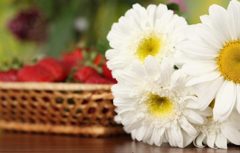 Фото обои цветы, букет, клубника, белые