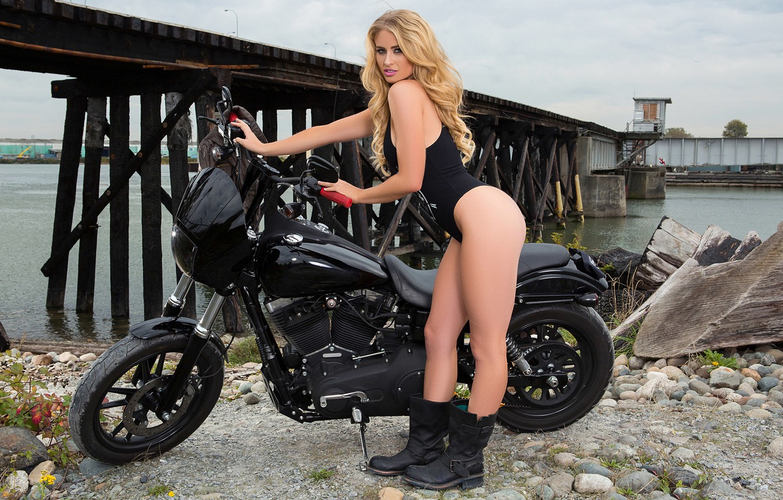 Фото обои девушка, черный, модель, сапоги, playboy, блондинка, мотоцикл, girl, байкер, байк, model, боди, playboyplus, байкерша, Maya …