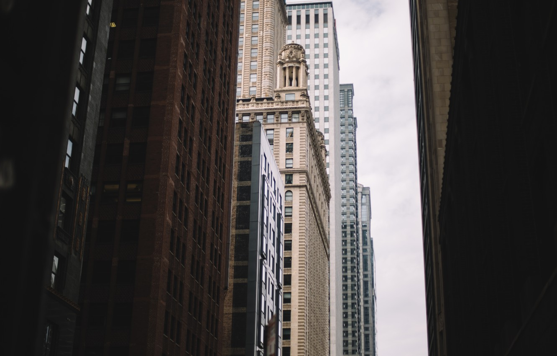 Фото обои небо, город, здания, дома