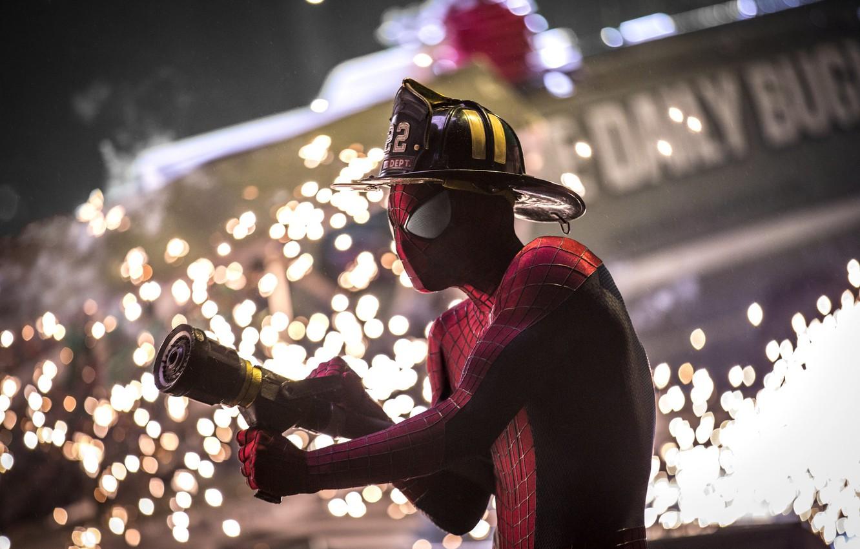 Фото обои фон, каска, Spider-Man, Andrew Garfield, Peter Parker, The Amazing Spider-Man 2, Новый Человек-Паук 2