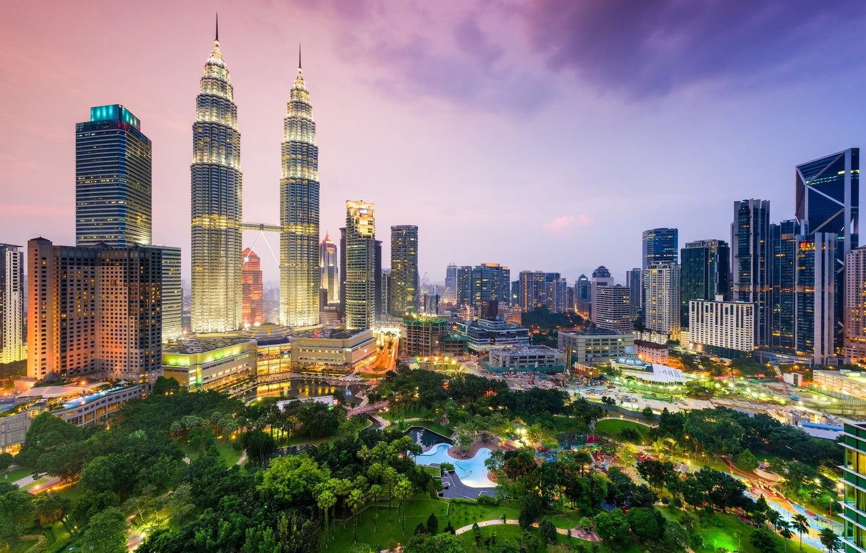 Фото обои ночь, небоскрёбы, мегаполис, Малайзия, Куала-Лумпур