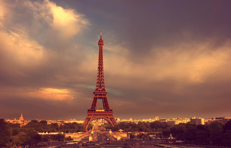Фото обои дорога, небо, облака, деревья, люди, Париж, Paris, Эйфелева башня