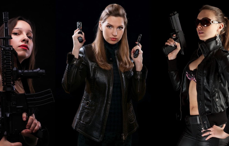 Фото обои стиль, оружие, фон, девушки, пистолеты, темный, серьги, очки, Три, автомат, guns, bra, the, boobs, eyes, …