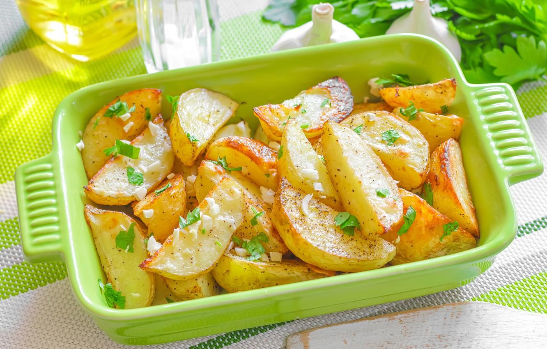 Фото обои еда, посуда, петрушка, чеснок, картошка, картофель, печеный