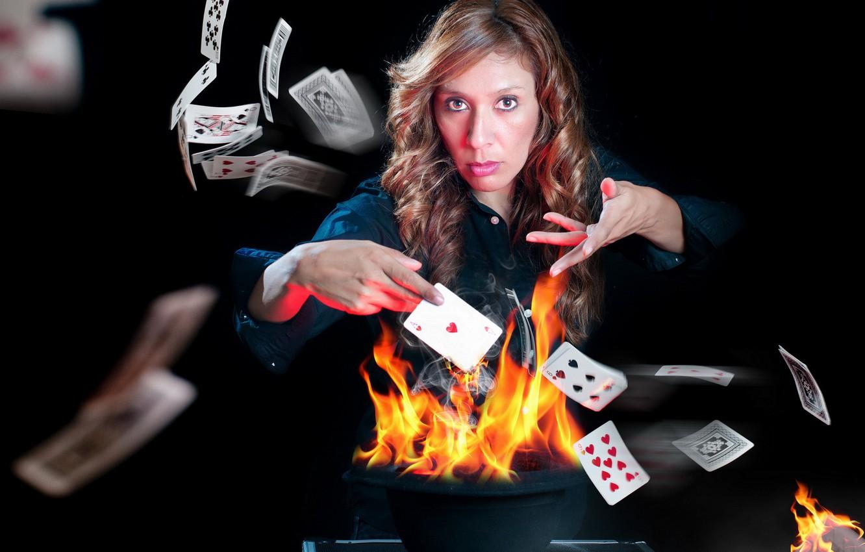 Фото обои карты, девушка, огонь, игра, ситуация