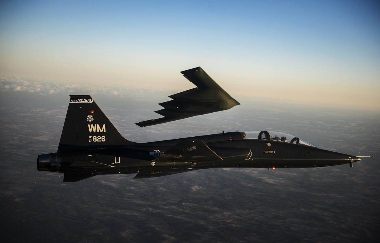 Фото обои полет, бомбардировщик, самолёт, реактивный, двухместный, B-2 Spirit, сверхзвуковой, T-38 Talon