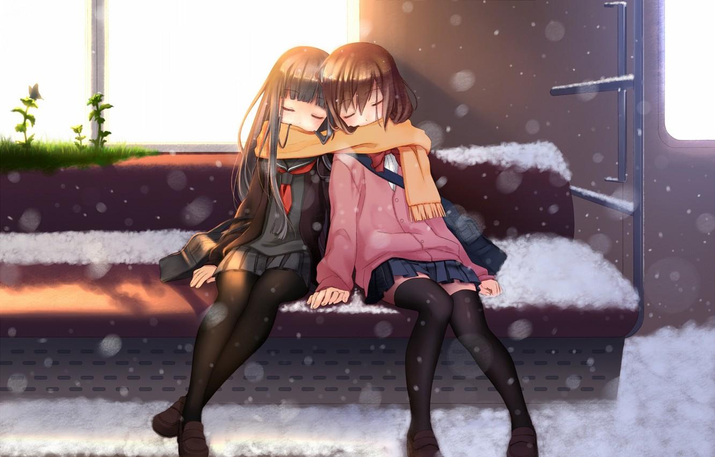 Фото обои трава, солнце, снег, девушки, бабочка, поезд, аниме, шарф, арт, вагон, школьницы, сиденье, nana mikoto