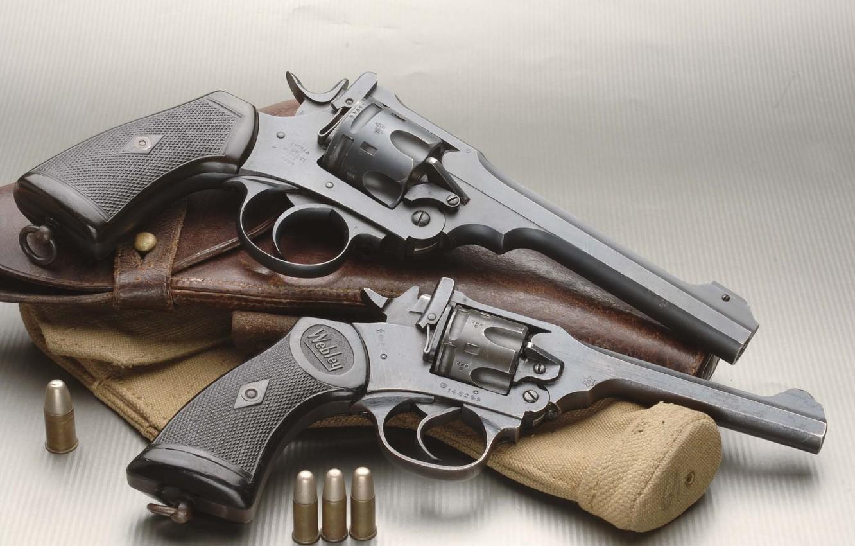 Фото обои патроны, револьвер, кобура, 2 штуки, Revolver, Webley & Scott Mark IV