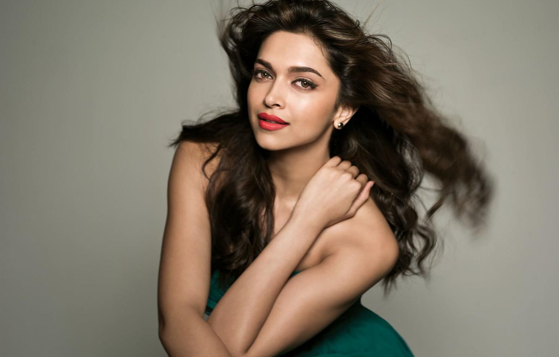 Фото обои лицо, улыбка, актриса, girl, sexy, smile, beautiful, model, pretty, beauty, face, brunette, pose, cute, indian, …