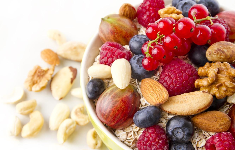 Фото обои ягоды, завтрак, орехи, мюсли