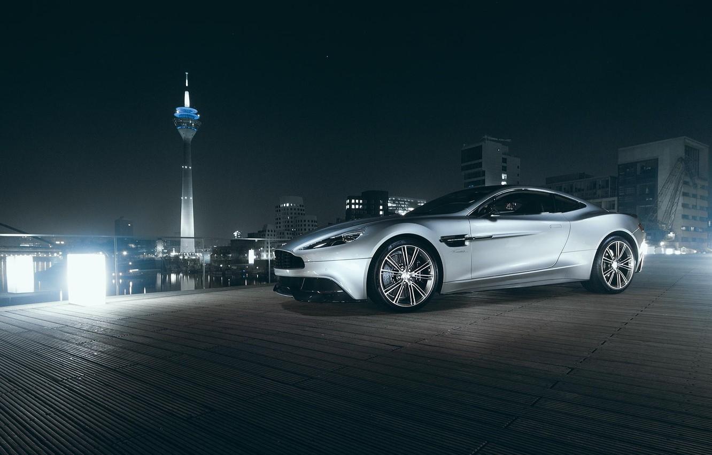 Фото обои Aston Martin, City, V12, Supercar, Vanquish, Tower, Nigth