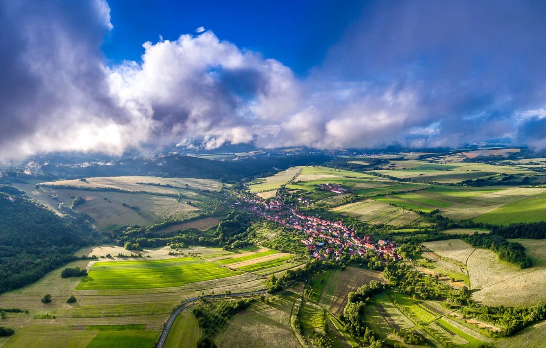 Фото обои облака, деревья, поля, дома, Чехия, панорама, Bystrice Pod Lopenikem
