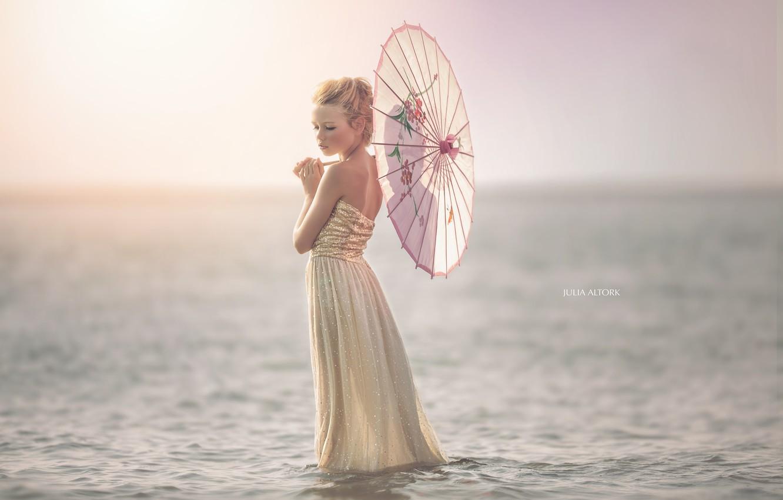 Фото обои море, зонт, девочка