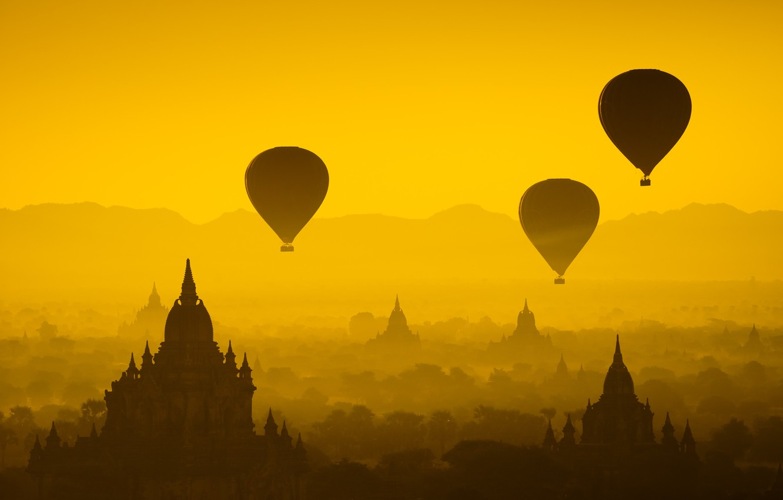 Фото обои лес, солнце, полет, закат, воздушные шары, храм, forest, архитектура, sunset, дворец, old, старый город, architecture, …