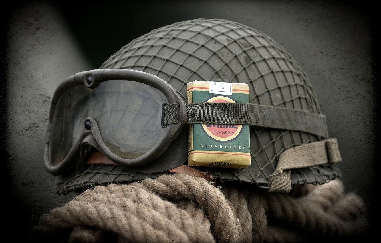 Обои очки, каска, армейская, пачка сигарет. Разное foto 6