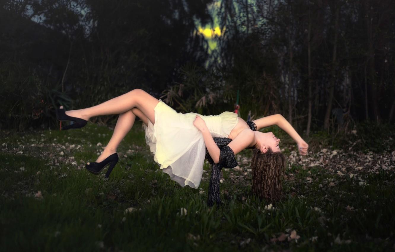 Фото обои девушка, цветы, платье, левитация, Dream