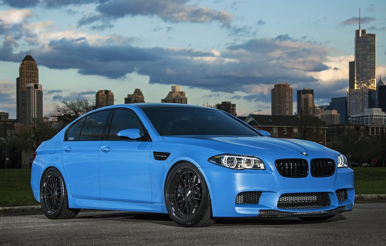 Фото обои чёрные, голубой, бмв, BMW, диски, f10, ббс, Yas Marina Blue
