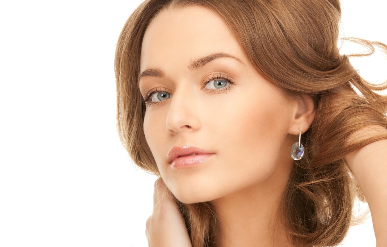 Фото обои глаза, взгляд, девушка, лицо, макияж, голубые, губы, белый фон, серьга, шея, lips