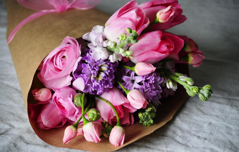 Девушка лютики букеты роз