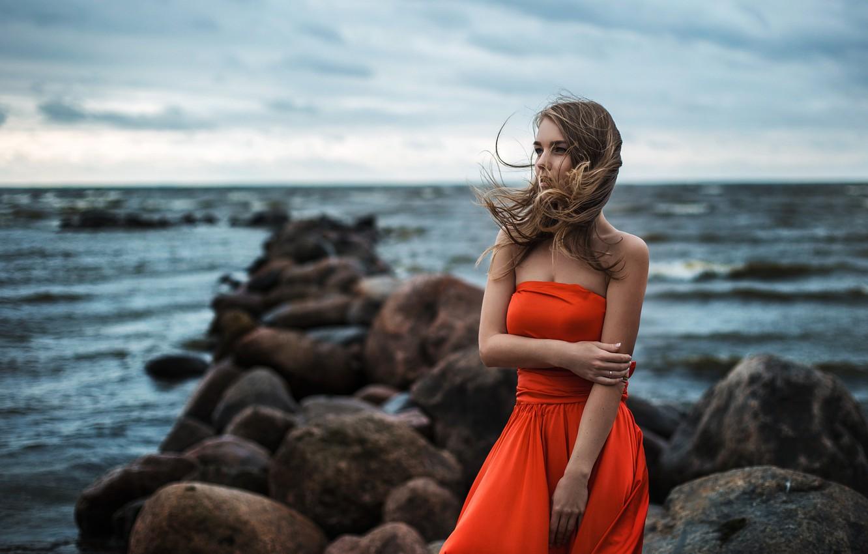 Фото обои Light, Orange, Red, Sky, Model, Water, White, Female, Ocean, Sea, Alena, Pretty, Hair, Dress, Stones, …