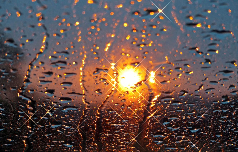 Фото обои стекло, солнце, капли, закат, дождь
