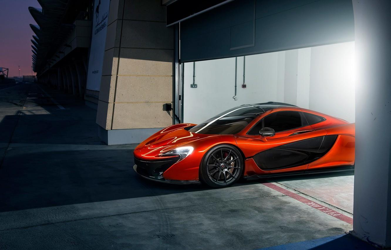 Фото обои McLaren, Orange, Race, Front, Beauty, Supercar, Track, Ligth, Nigth