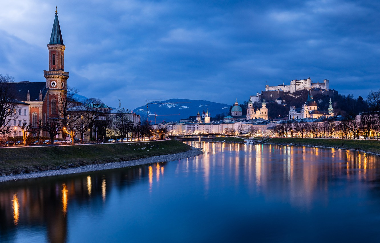 Река Зальцах, пересекающая город, дала название Зальцбургу