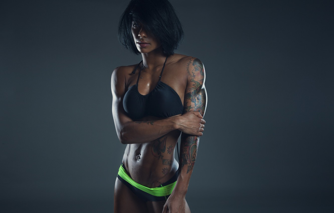 Фото обои sexy, model, brunette, tattoos, fitness, sporty, model clothes